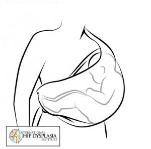 Горизонтальная переноска в слинге
