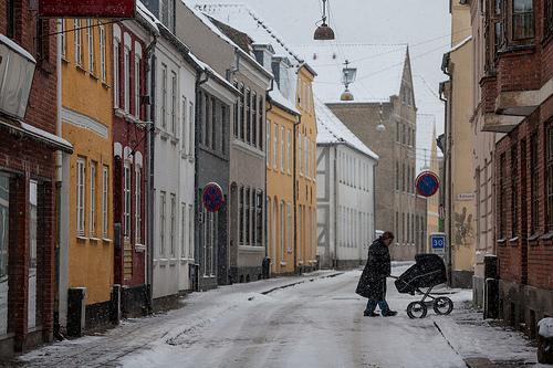 Прогулка с коляской зимой