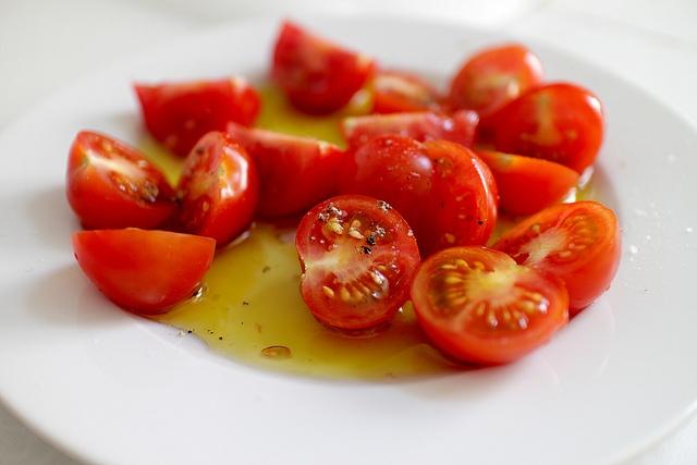 Помидоры с растительным маслом